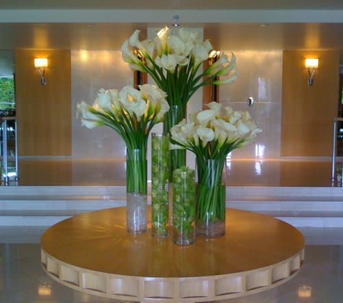 Flower arrangement for office