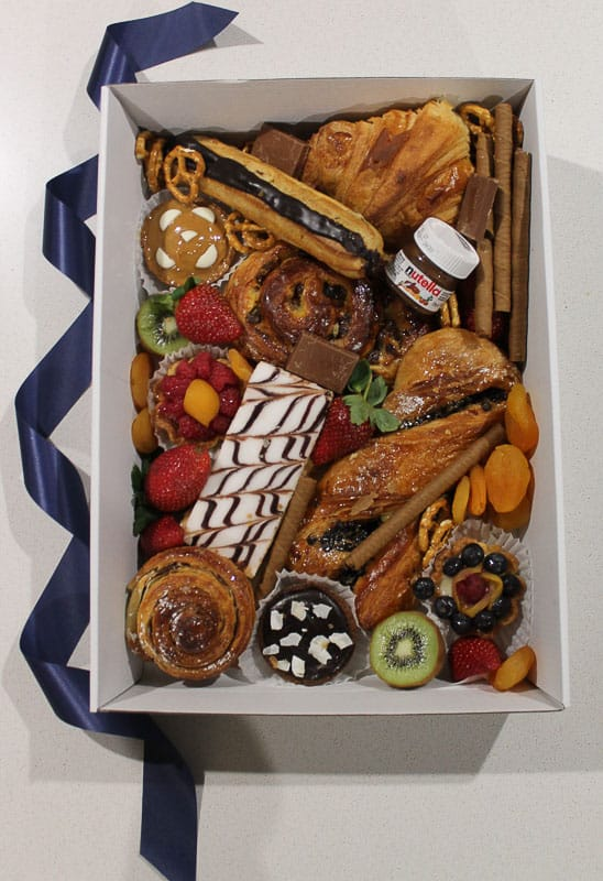 Medium french savoury desert box