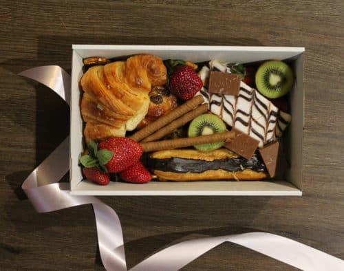 Small french savoury desert box